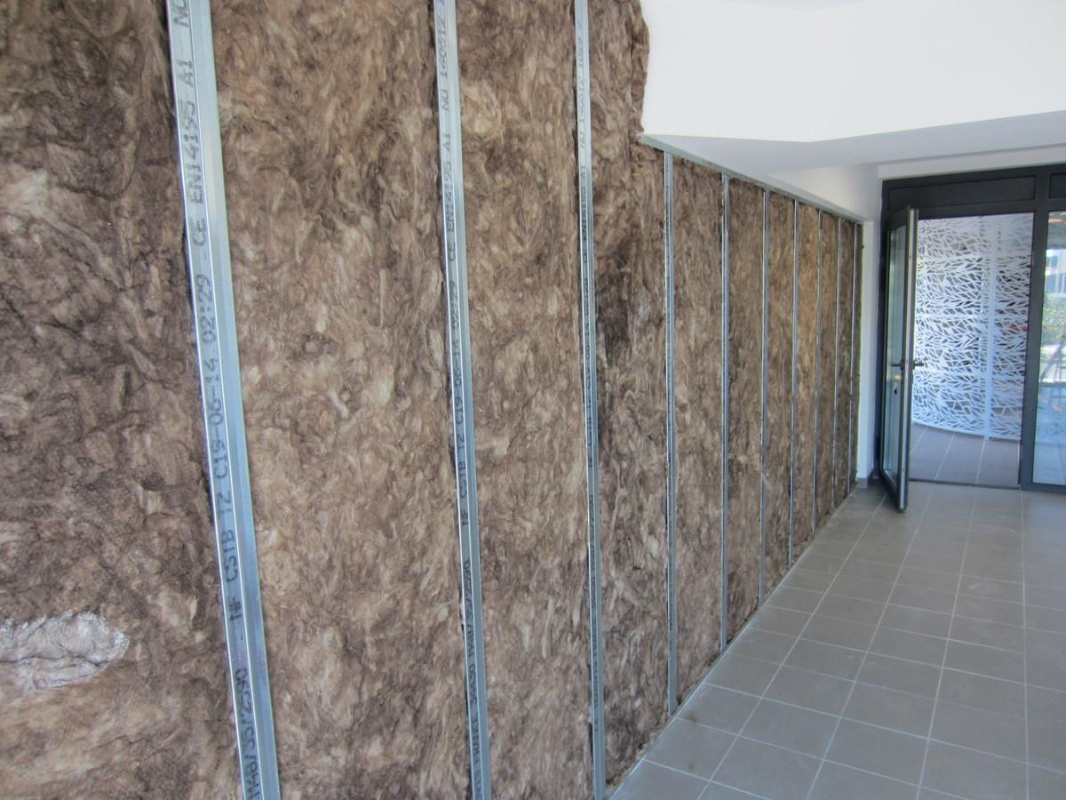 Isolation phonique mur