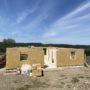 Construisez votre maison en blocs de bois isolés !